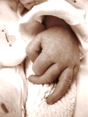 Plíseň nehtů na rukou u kojence