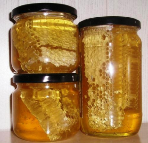 Med proti mastné kůži